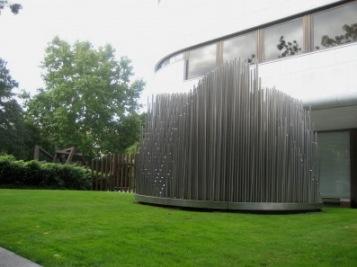 Eusebio Semperes skulptur Órgano (1977), Fundación Juan March i Madrid.