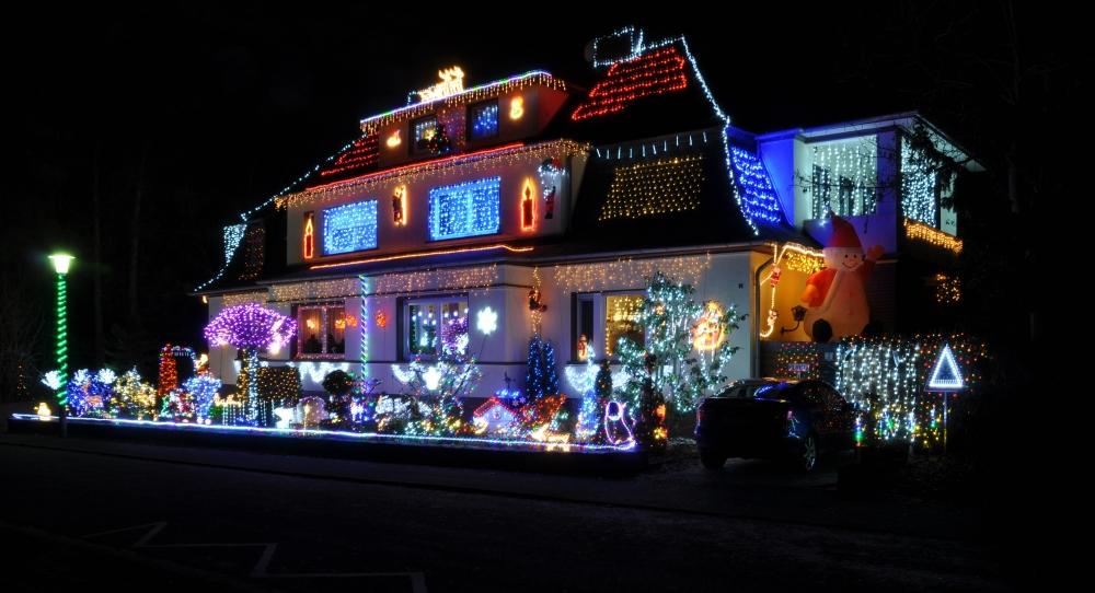 13-12-16_christmas_house_decoration